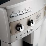 Delonghi Magnifica ESAM 3000/3300: detailed review and comparison with the  ESAM 2200/2800/3200 | 101Coffeemachines.Info