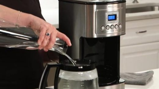 How to Clean Your Coffee Maker With lemon Juice - CoffeeArea.org